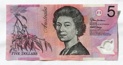 new australia five dollar bank note